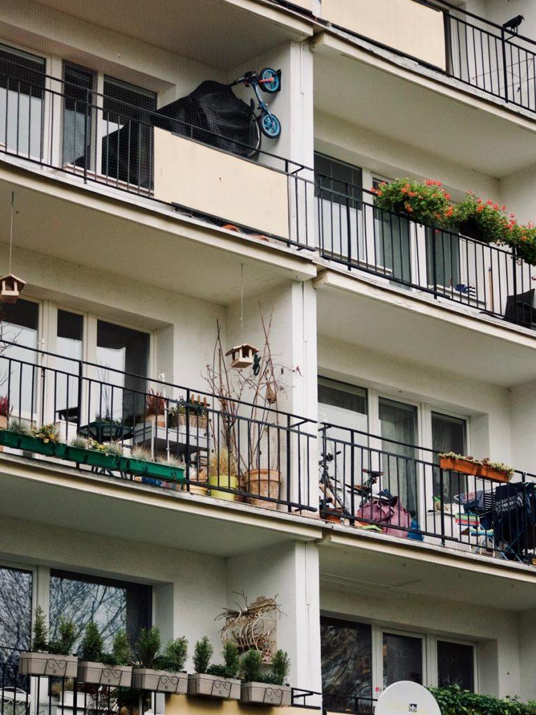 Co ma znaczenie przy wybieraniu balkonów?
