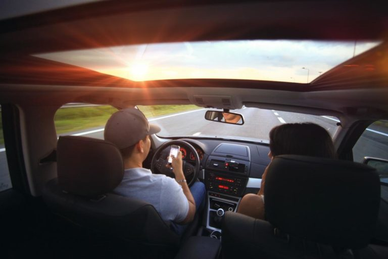 Wypożyczenie samochodu to alternatywa dla komunikacji miejskiej